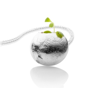 2017 - Clare Poppi - Growing Necklace